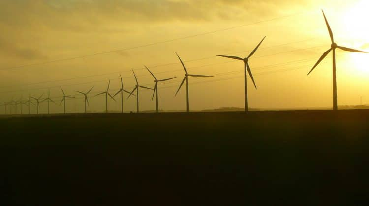 Advantages and disadvantages of wind energy.