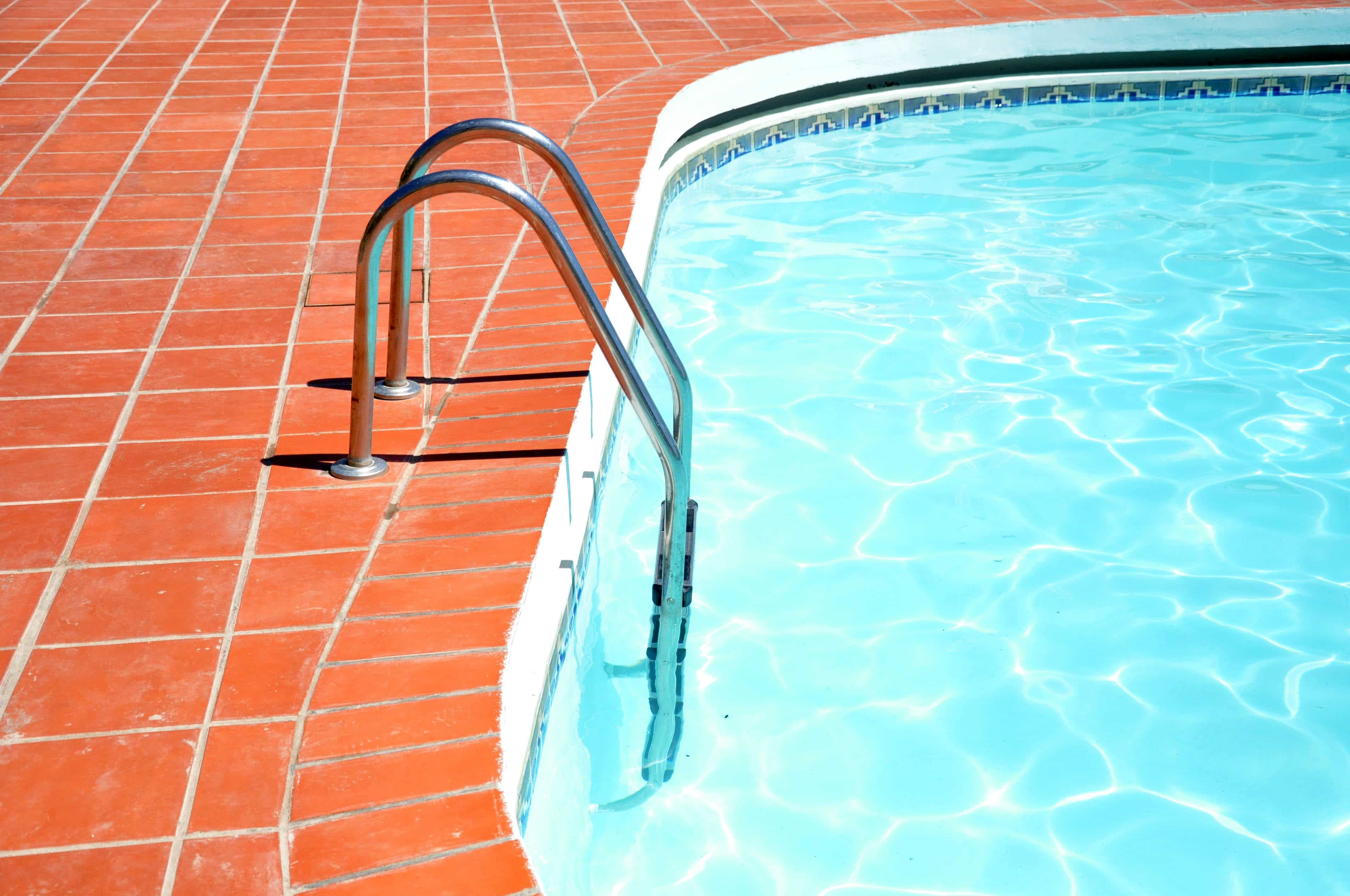 Homemade solar pool heaters clean energy ideas - Solar hot water heater for swimming pool ...