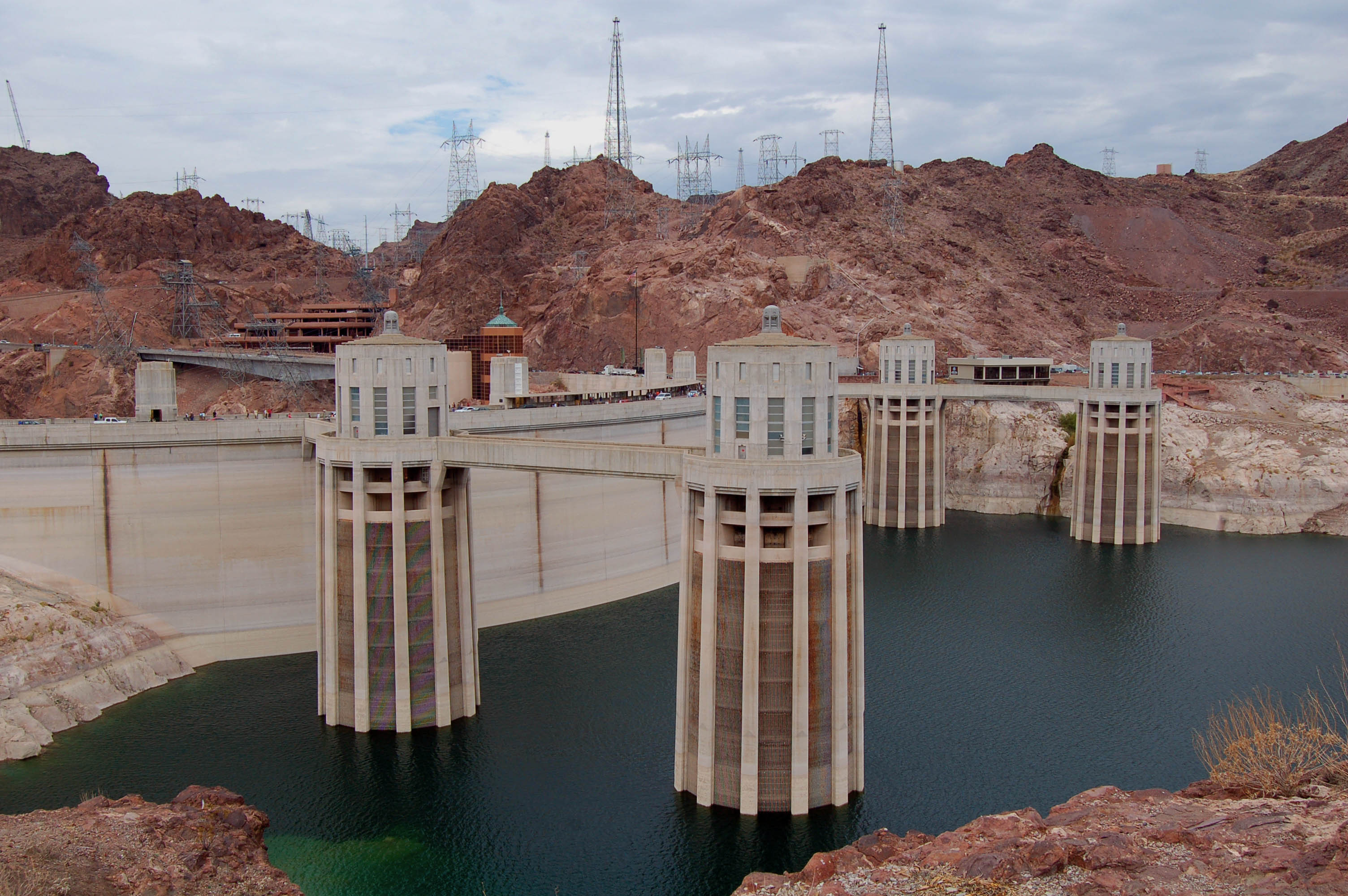 Large dams and their environmental impacts