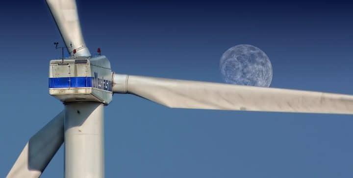 Long blades on a Vestas wind turbine.